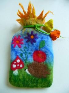 Housse bouillotte laine feutrée - Felted art to wear