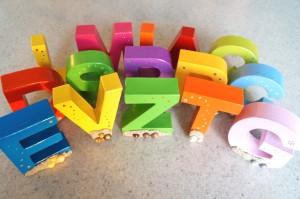 Lettres décoratives vernies
