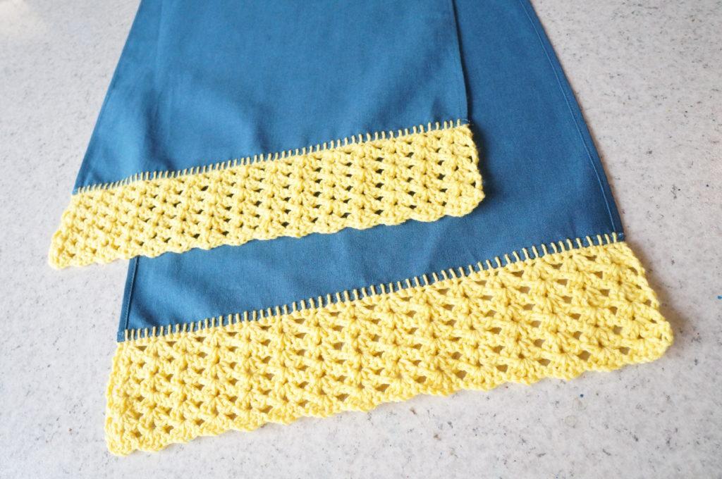 Echarpe tissu avec extrémités au crochet