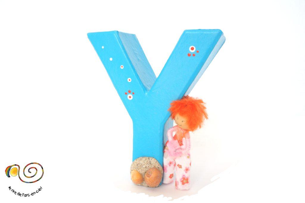 Lettre décorative Y bleue