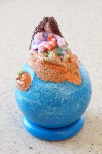 """Décoration """"Petit monde"""" avec île et figurine"""