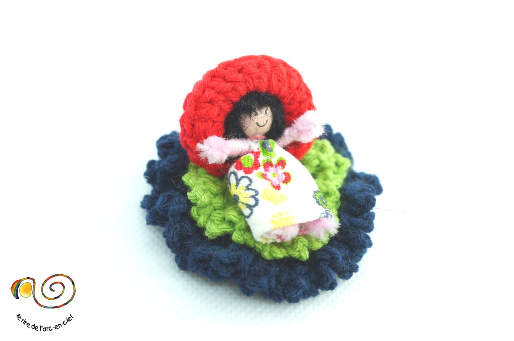 Broche figurine