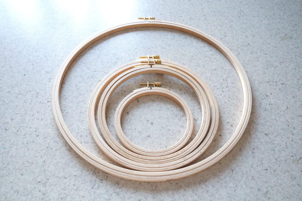 Les différentes tailles de tambours à broder