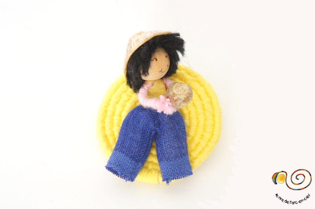 Broche figurine